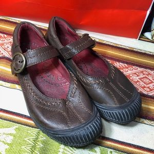 Earth brown leather Chelsea mary jane loafer shoe
